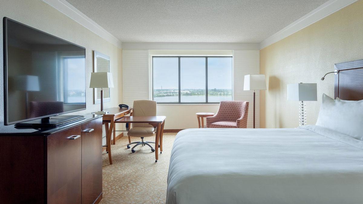 barrett jackson vip experiences palm beach accommodations West Palm Beach Marriott bedroom