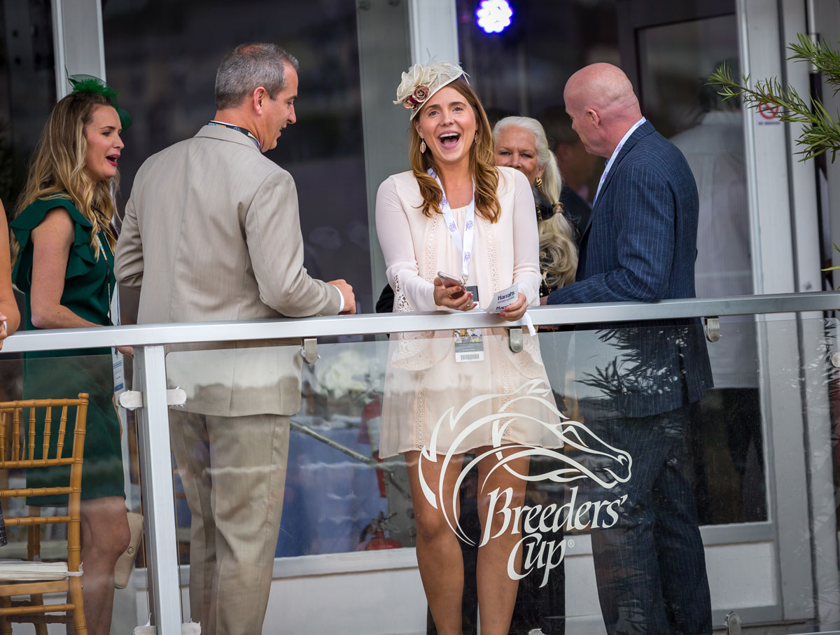 people on the balcony at the breeders cup world championships