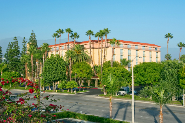Breeders' Cup Experience accommodations Embassy Suites by Hilton Arcadia Pasadena Area exterior