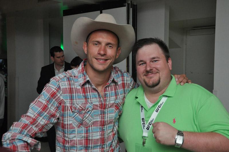 UFC Experiences Clients meeting UFC Fighter