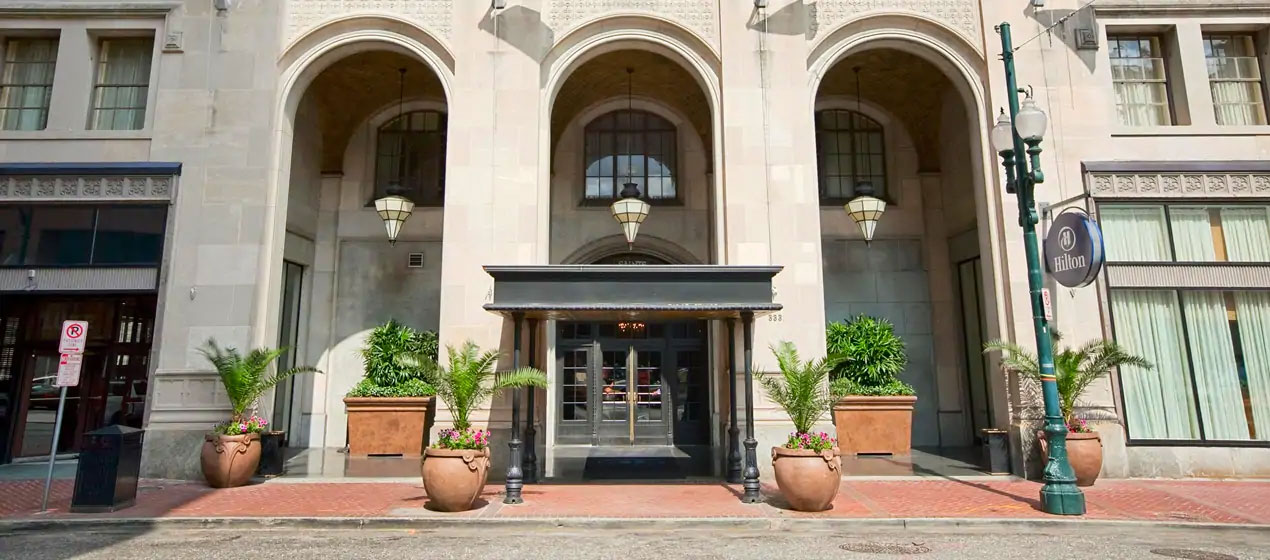 Hilton New Orleans St Charles Exterior