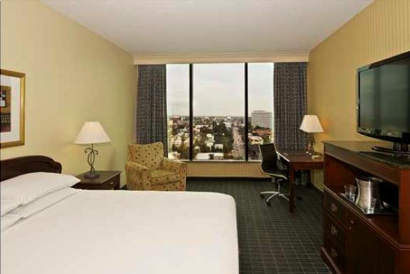 Hilton-Pasadena-Bedroom