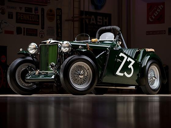 Barrett-Jackson-Auto-Auction-1.jpg