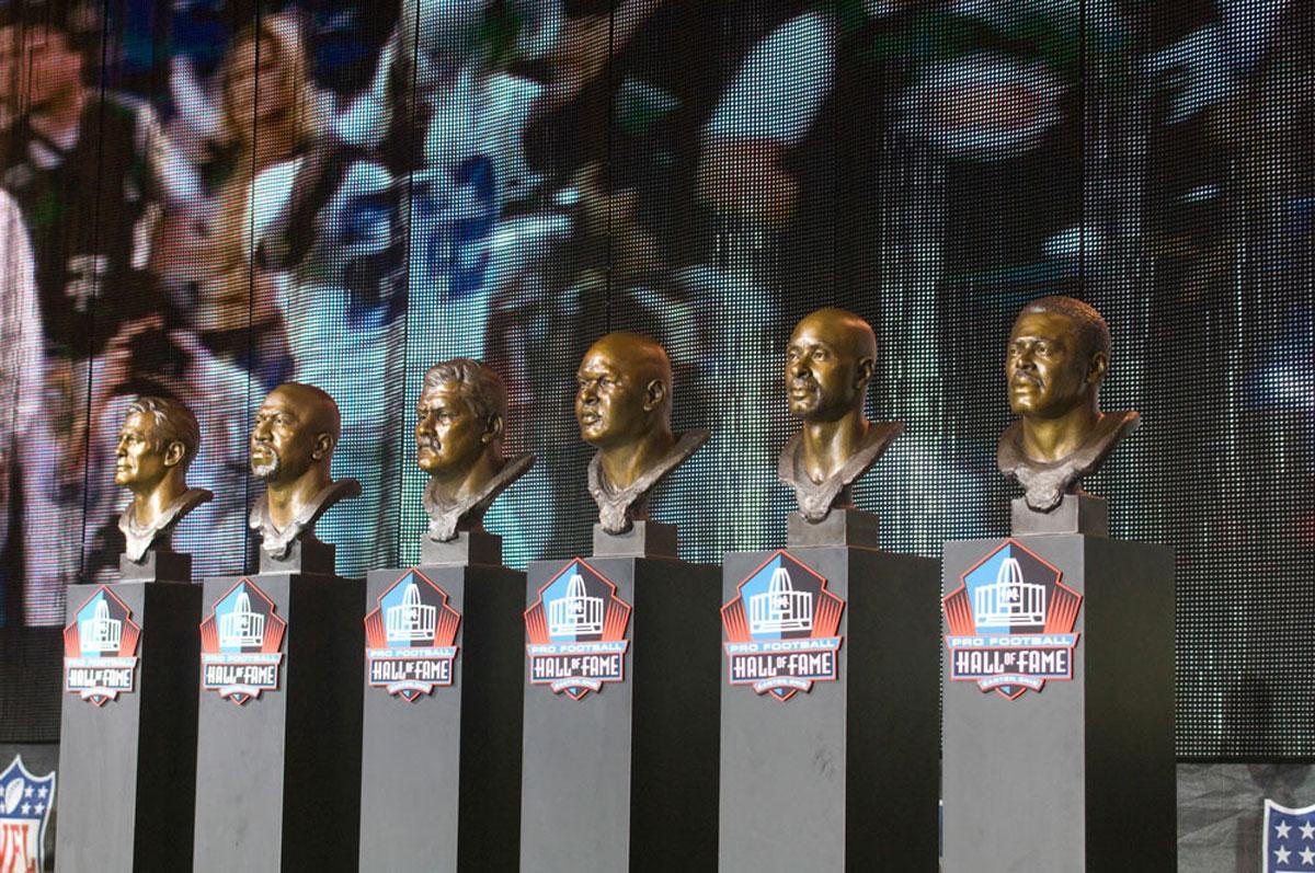 NFL-Pro-Football-Hall-Of-Fame-Enshrinement-Bronze-Busts-4.jpg