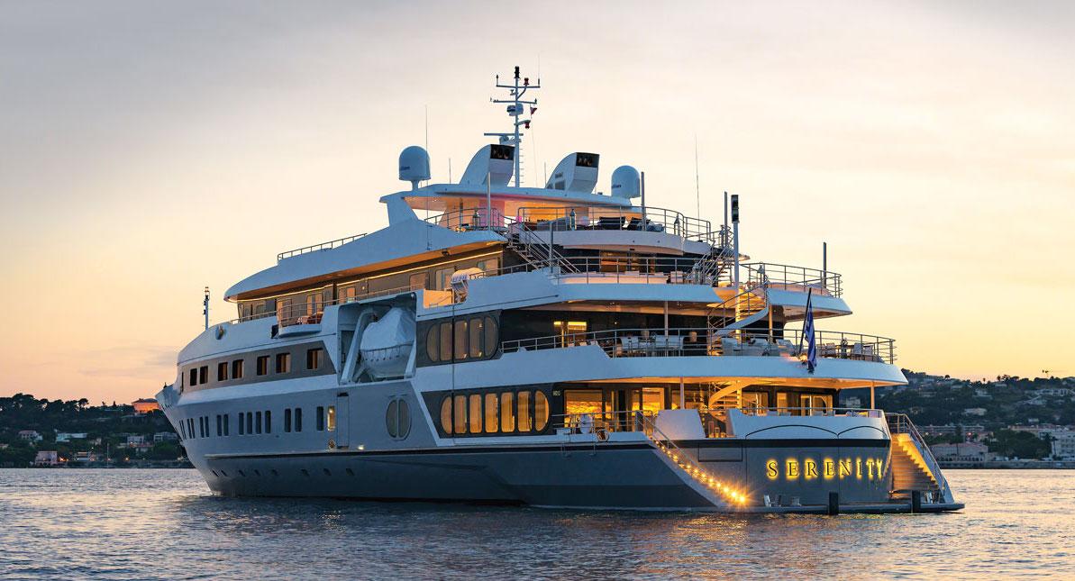 F1-Experiences-Abu-Dhabi-Serenity-Yacht-2