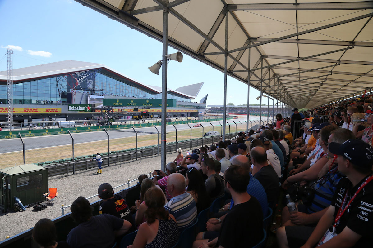 international pits straight grandstand silverstone f1 experiences