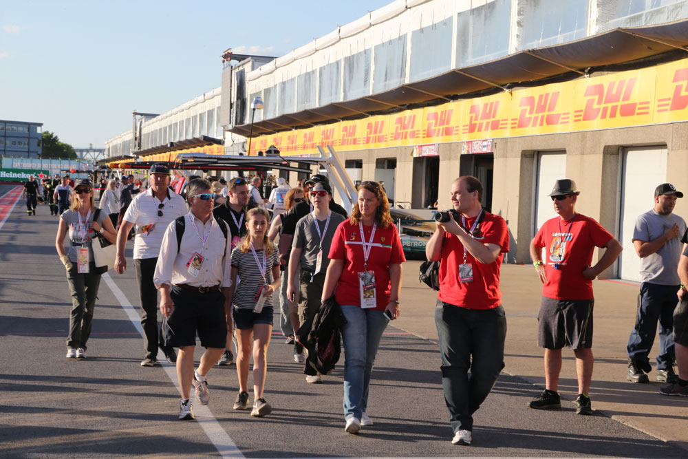 f1-experiences-silverstone-paddock-club-legend